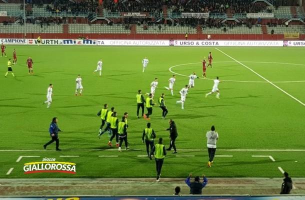 L'esultanza dopo il gol di Mancosu
