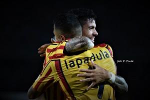 Lapadula e Farias (foto P.Pinto)