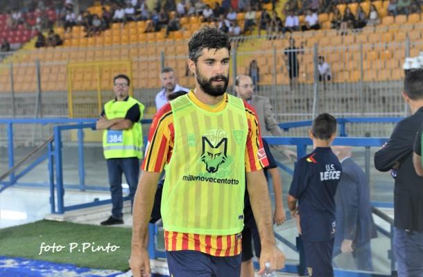 Rossettini, difensore del Lecce (foto P.Pinto)
